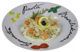 Феттучини с лососем