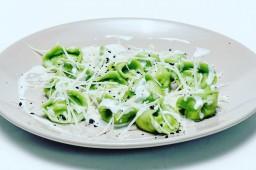 Тортеллини с сыром и шпинатом 500 гр.