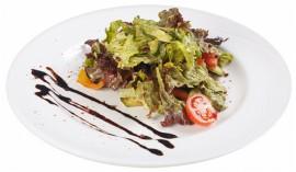 Салат с говядиной и творожным сыром
