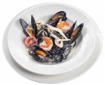 Спагетти нери с чернилами каракатицы и морепродуктами